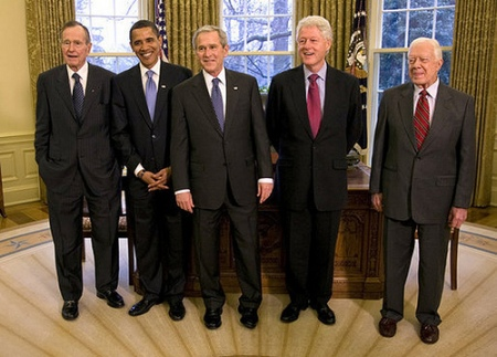 GEORGE H. W. BUSH, BARACK OBAMA, GEORGE W. BUSH, WILLIAM J. CLINTON AND JIMMY CARTER (OVAL OFFICE -- JAN 25 2009)